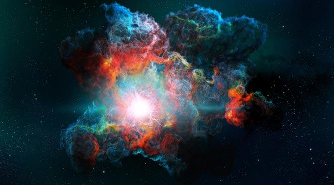 Evrendeki en parlak galaksilerden biri, ortasındaki dev kara delik nedeniyle yavaşça parçalanıyor