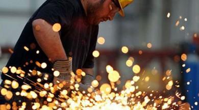 Sanayi üretimi yüzde 0,8 arttı