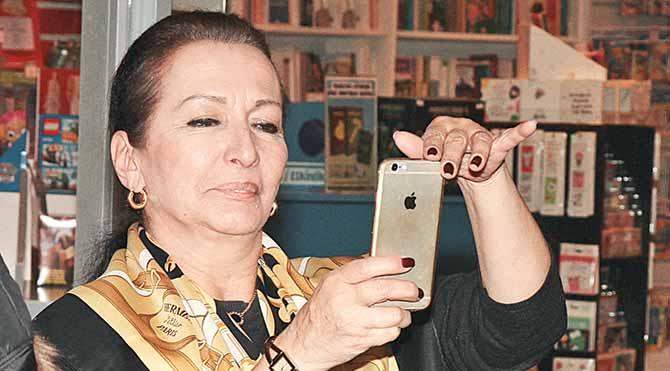 Foto: Magazin - Gül Sunal mutlu anları ölümsüzleştirdi