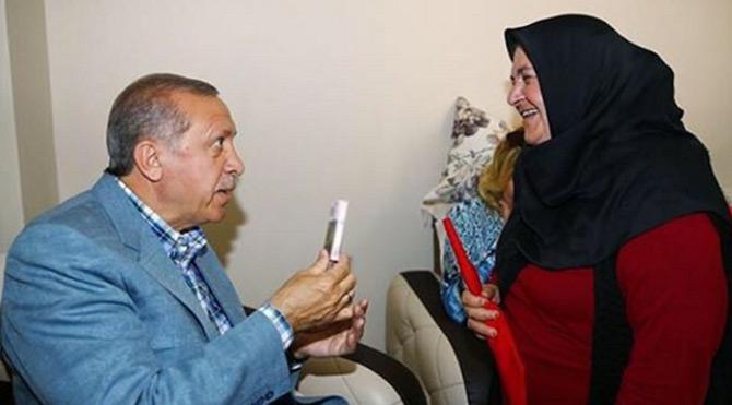 Ak Saray'daki törende konuşan Erdoğan