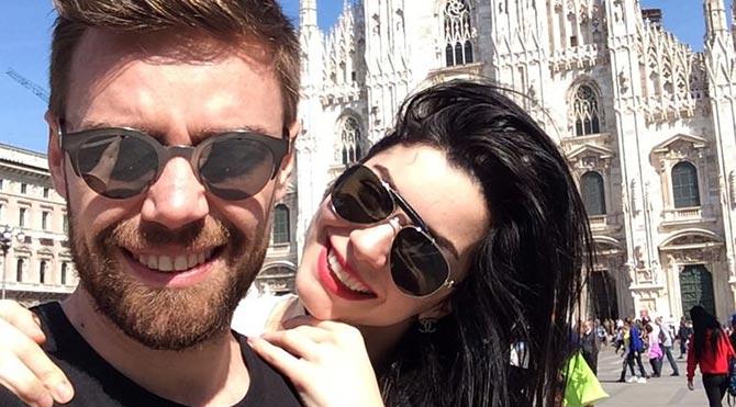 Oyuncu Merve Boluğur ile evlenen şarkıcı Murat Dalkılıç eski ev sahibi ile mahkemelik oldu.