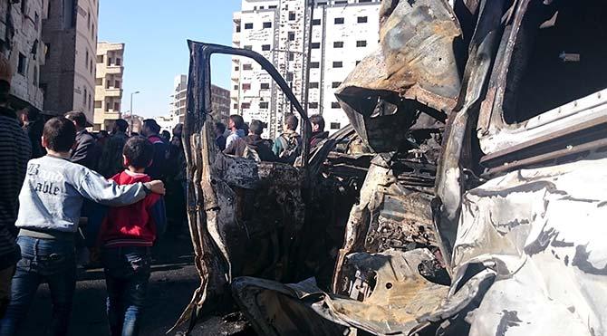 İç karışıklıklarla boğuşan Suriye'de, başkent Şam'da bir pazar yerine bombalı saldırı düzenlendiği, olayda can kaybının olduğu bildirildi.
