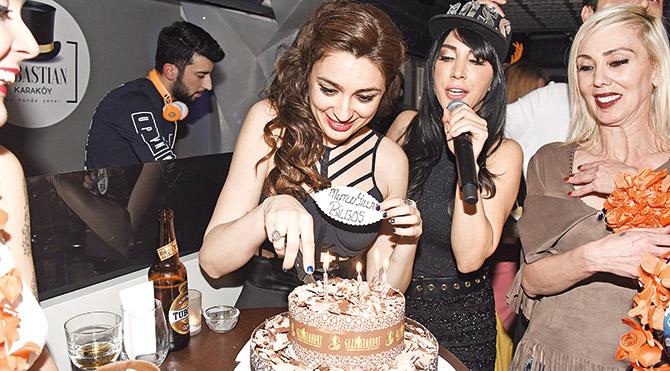 Yeni yaşını Hande'yle kutladı