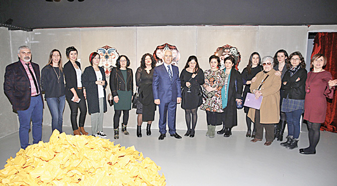 Kadın sanatçılar sergi açtı