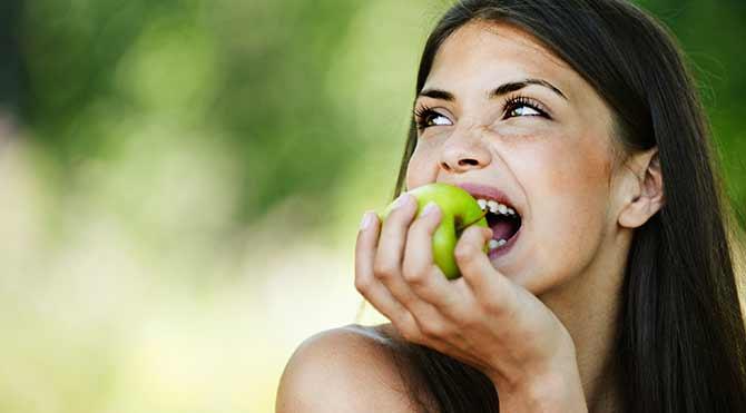 Burnumuzun ucundaki velinimet: yeşil elma