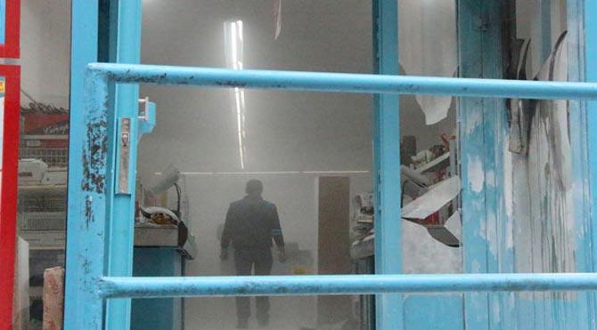 Müşteri dolu markete molotoflu saldırı!