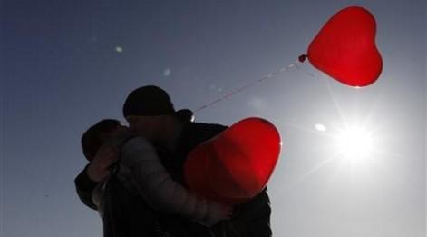 Sevgiler Günü mesajları, aşıkların günü 14 Şubat için romantik mesajlar...