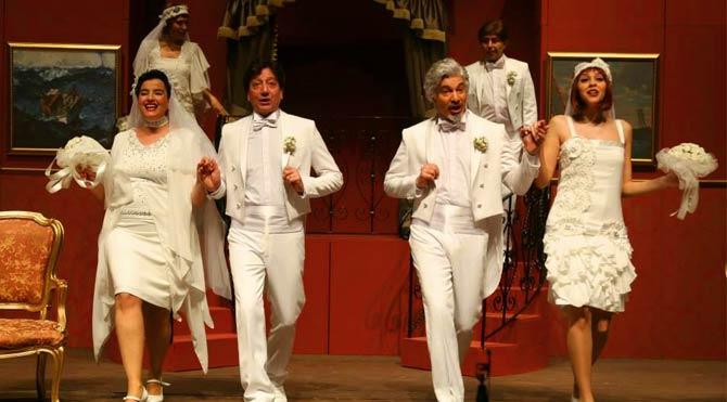 Süheyl ve Behzat Uygur Tiyatrosu 25. yılını kutluyor