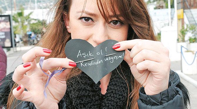 Kadına şiddete iğneli protesto