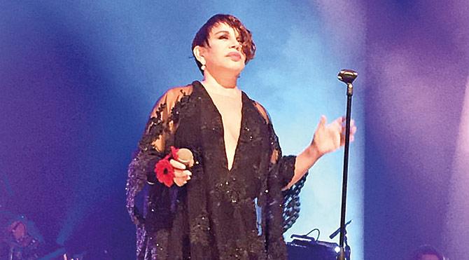 Sezen Aksu Amsterdam'da konser verdi