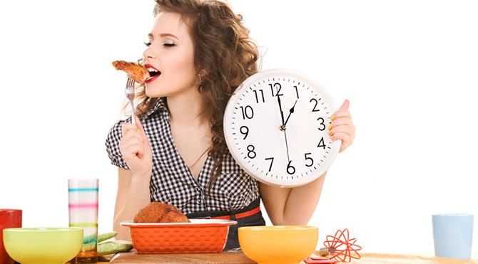 Yemek saatlerini değiştir, zayıfla