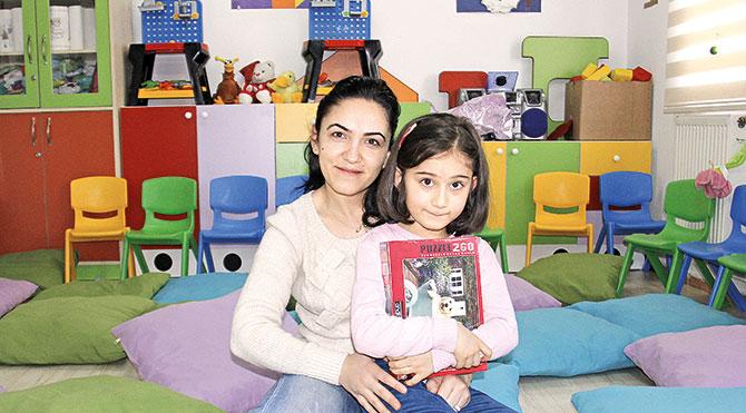 3-6 yaş arasındaki çocuklarını birkaç saatliğine Masal Odası'na emanet eden anneler böylece dışarıdaki işlerini halledebilecek zamana sahip oluyor.