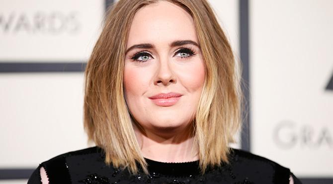 Adele'den oğluna elbise giyme izni