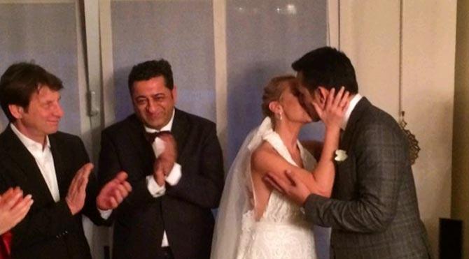 Helin Avşar Serhan Bora ile evlendi