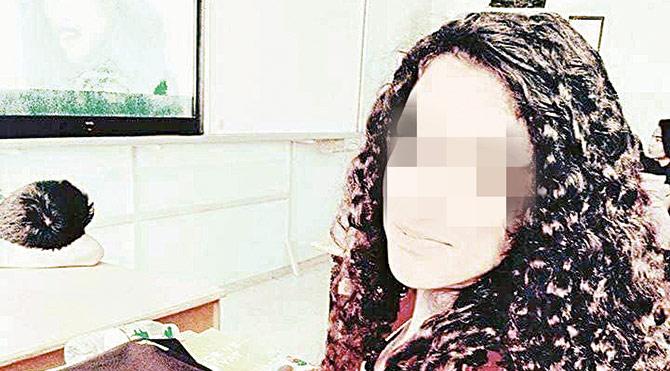 18 yaşındaki lise öğrencisi genç kızın arkadaşları yaşanan olayları duyurmak için sosyal medyayı kullandı. Cansel'in intiharına cinsel istismarın neden olduğu iddiası soruşturma başlattı.