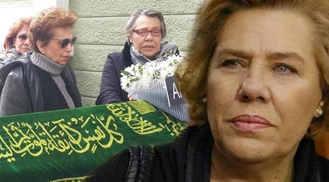 Işıl Yücesoy'dan annesine son yolculuk