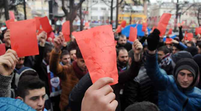 Tecavüze, kadına şiddete, savaşa…. kırmızı kart