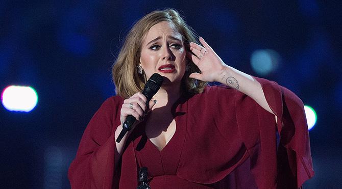 Adele, Brit Müzik Ödülleri'ne damga vurdu