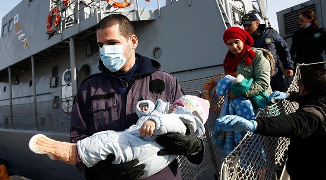 Sığınmacılar Yunan karasularında yakalanınca Türkiye'ye gönderilecek