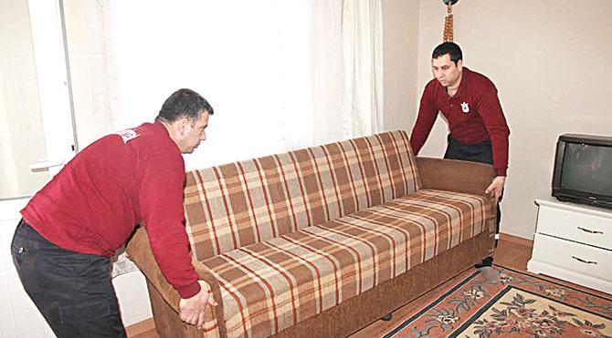 Çift, hayırsever vatandaşların yaptığı bağışlar sayesinde hizmet veren belediyenin 'Bizim Ev' adlı hizmetinden yararlandı.