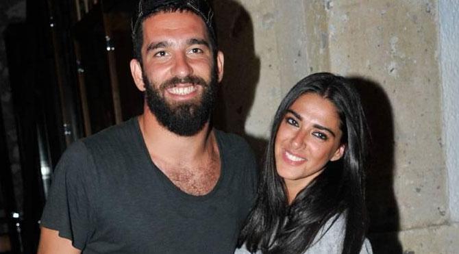 Arda Turan'dan ayrılık iddialarına cevap gibi fotoğraf