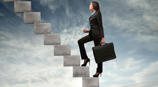 Rasyonel düşünmek ve akılcı çıkarımlar yapmak, hedeflerinize hırsla ve kararlılıkla ulaşmak için gereken motivasyona sahip olabilirsiniz.