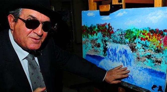 Renkleri ve doğayı hiç görmeden çizen ressam