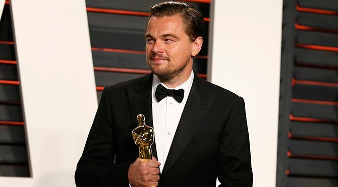 Leonardo DiCaprio Oscar'ı restoranda unuttu!