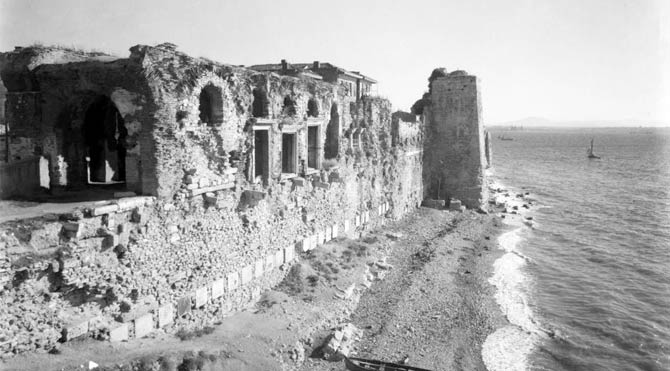 İstanbul'da 1600 yıllık saray yok oluyor
