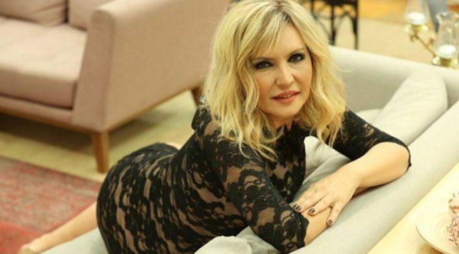 Kısmetse Olur programının sunucusu Seda Akgül evleniyor