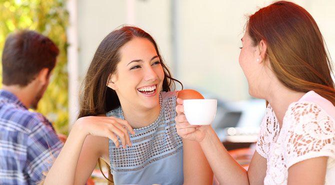Arkadaşlarımızla sosyalleşerek, insanlarla bol bol iletişim kurarak, zihinsel faaliyetlerimizi artırarak geçirebiliriz.