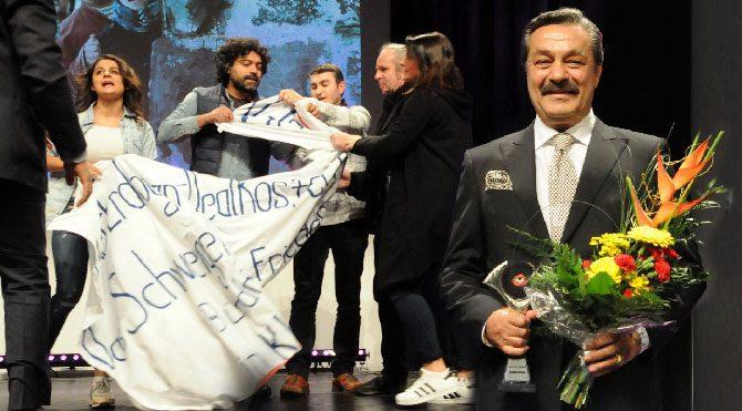 Almanya'dan Kadir İnanır'a onur ödülü