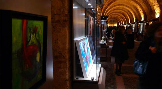 'Cam Tavanı Delen Kadınlar' Dolmabahçe'de açılıyor