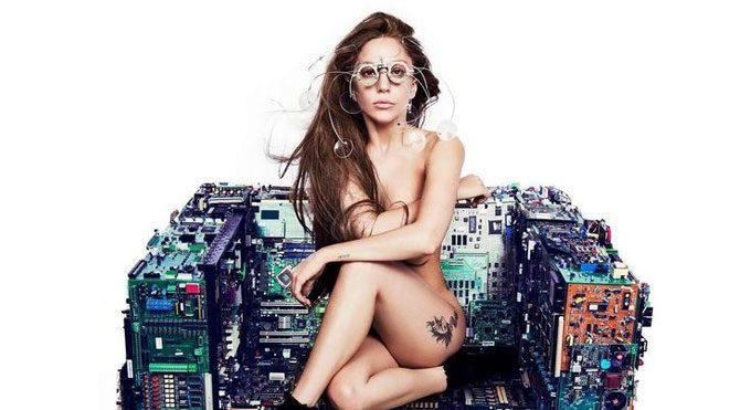 Lady Gaga'nın bornozu Buldan'da 50 metrekarelik imalathanede dokundu