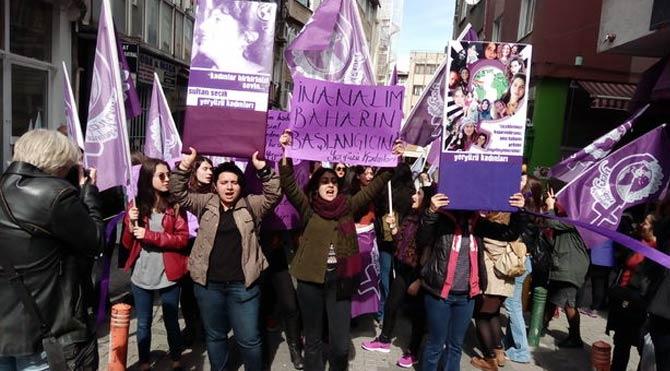 Kadınlardan İthaki Yayınları'na tepki