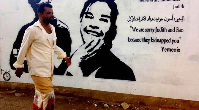 Yemenli Banksy, savaşın izlerini çiziyor