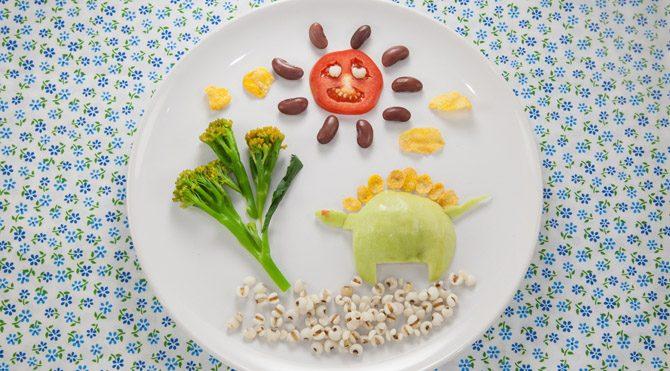 Taylan Kümeli, ''Çocuklara doğru beslenme alışkanlığı kazandırmanın en önemli yolu ona kendi davranışlarınızı empoze etmektir'' dedi.