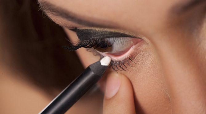 Beyaz göz kalemi Foto: Shutterstock