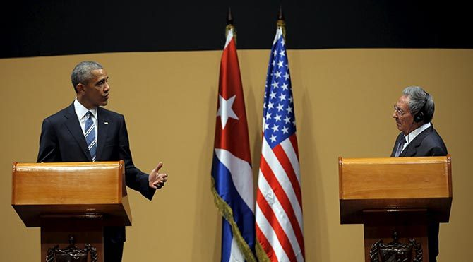 Obama ile Castro insan hakları konusunda atıştı