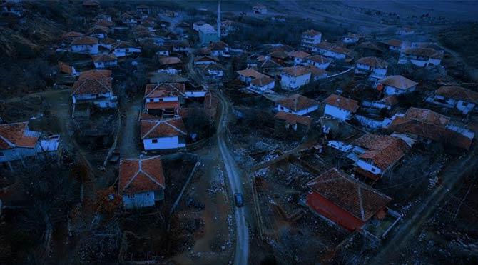 Terkedilmiş bir köy, dehşet verici bir hikaye…