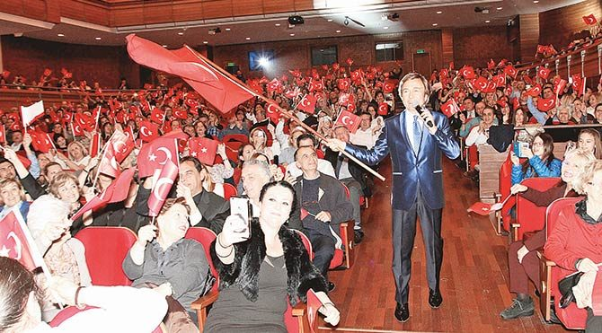 İzmir'de duygulu konser