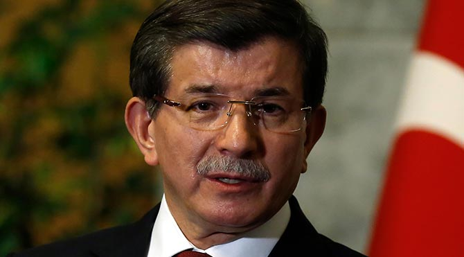 Davutoğlu: Başkanlık sistemini benimseyen bir anayasa için her türlü adımı atacağız