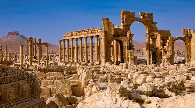 Palmira'daki görüntüler yıkımı gözler önüne seriyor