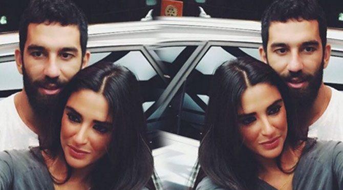 Arda Turan sevgilisi Aslıhan Doğan'ın fotoğraflarını sildi