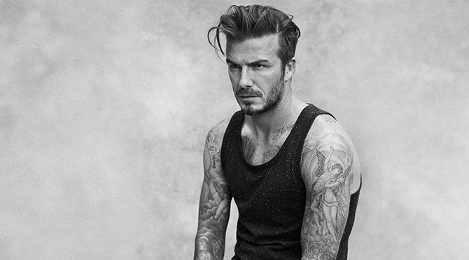 David Beckham kızının bebeklerine elbise dikiyor