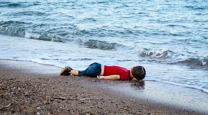 Yılın Basın Fotoğrafı Aylan Bebek oldu