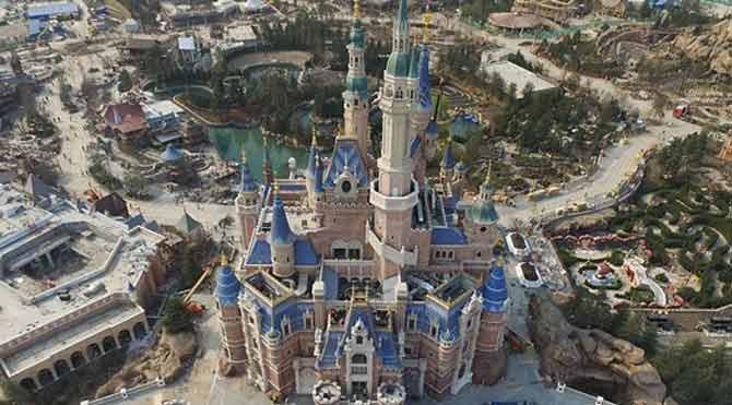 5.5 milyar dolarlık Disneyland göründü