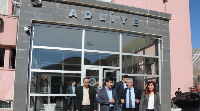 Hakkari Belediye Eş Başkanlarının 4'üncü duruşması yapıldı