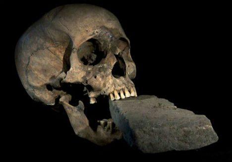 Arkeolojik kazıda bulunanlar tüyler ürpertti!