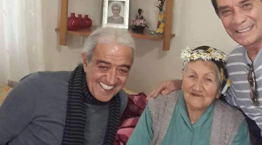 Edip Akbayram'ın annesi hayatını kaybetti!